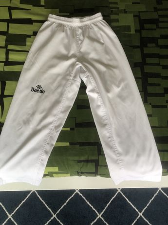 Fato de tarkwondo ( dobok)