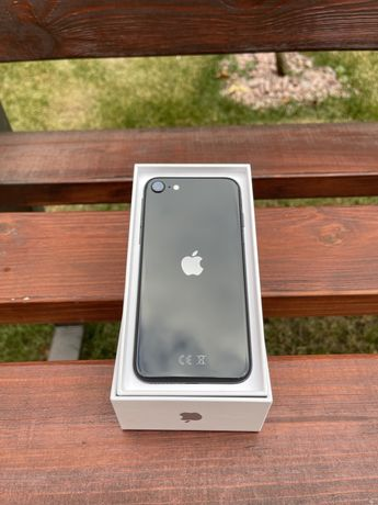 Apple iPhone SE 2 128GB.