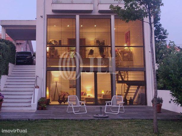 Moradia T3 com jardim e garagem, em Francelos, Vila Nova ...