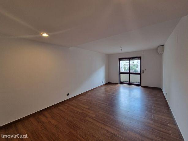 Apartamento T3 remodelado em Braga