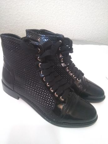 Женские черные лаковые ботинки, удобная колодка, по стельке 24,5см