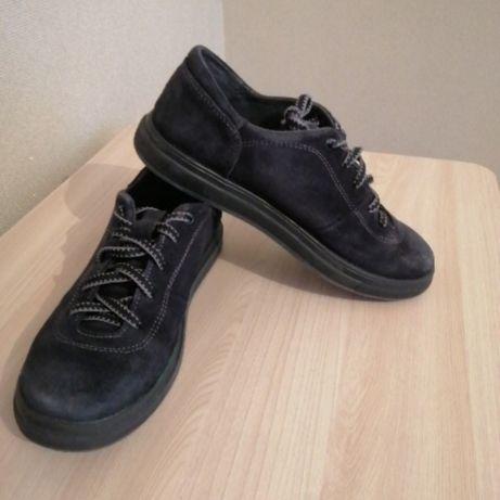 Шкіряне взуття синього кольору на р. 36