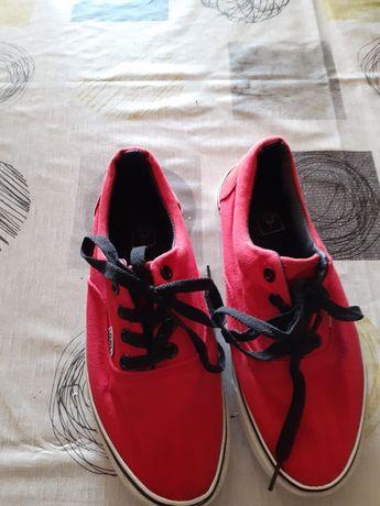 Vendo tênis da Vans tamanho 39