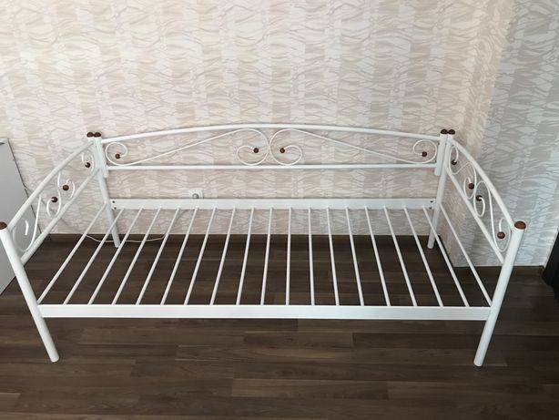 Продам кровать металическую
