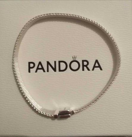 Pandora Reflexion