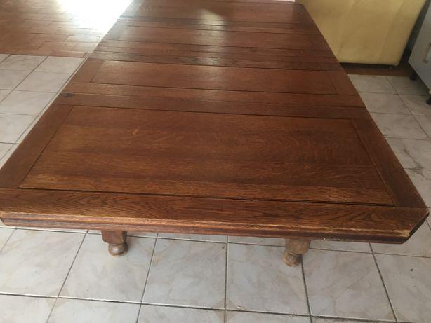 Mesa de jantar em bom estado geral e madeira massica
