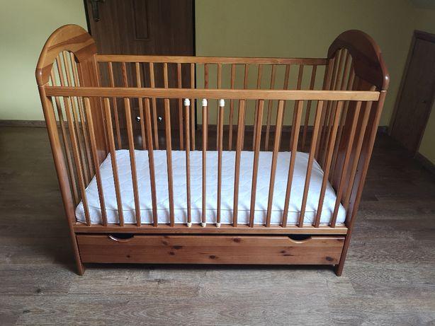 Łóżeczko drewniane Jardrew z szufladą + materac