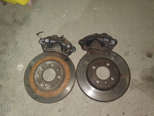 Суппорта с дисками передние BMW E30 вентилируемые