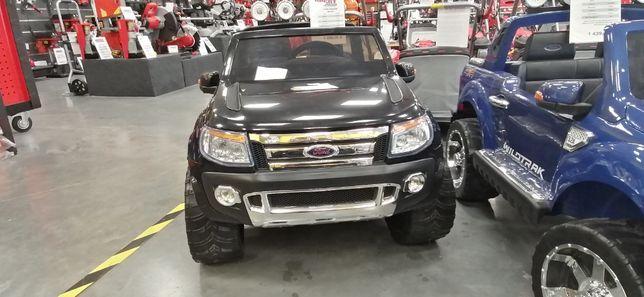 Ford Ranger Black . Samochód na akumulator