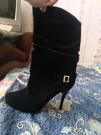 Взуття замшові сапожки