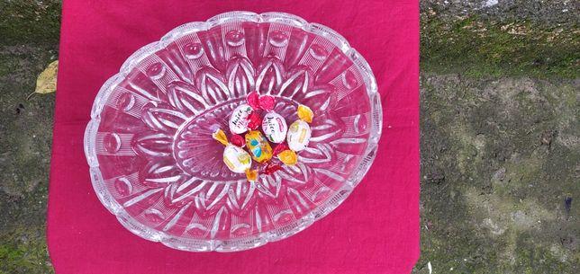 Продам Хрустальную конфетницу