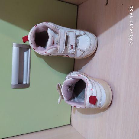 Модные кроссовки