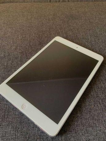 Apple iPad mini 4G LTE 16 ГБ