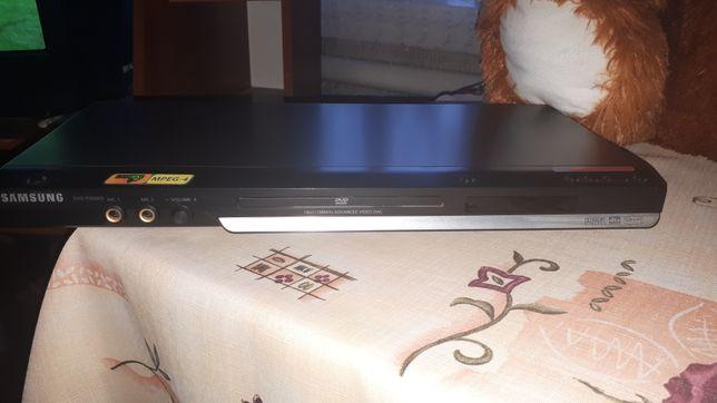Продам лазерный DVD-плеер ( + караоке)