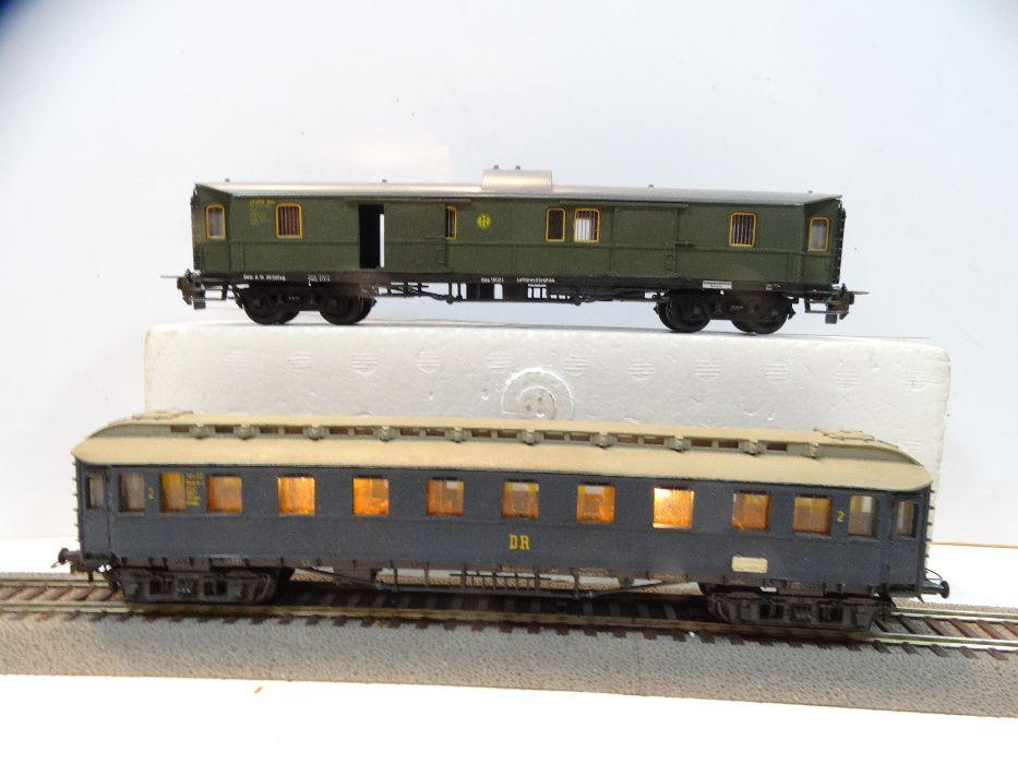Zestaw 2szt Wagon pasażerski bagażowy Trix Schicht skala H0 144 Warszawa - image 1