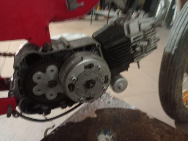 Motor lucin completo e a funcionar por bike 110cc