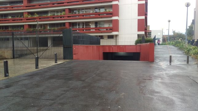 ALUGO ou VENDO Lugares de garagem