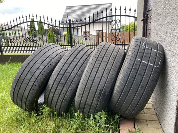 Opony Bridgestone Alenza 245/50/19