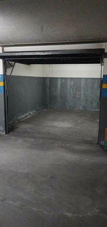 Garagem fechada Ribeirão Famalicão