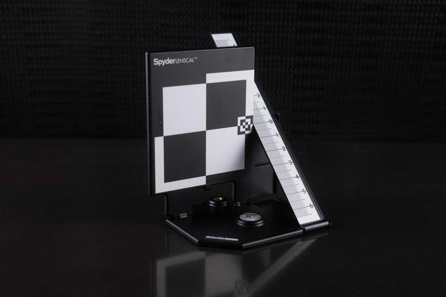 Калибратор Datacolor SpyderLensCal. Мишень для юстировки объективов