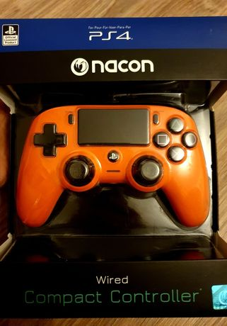 PS4 Nacon World Compact Controller