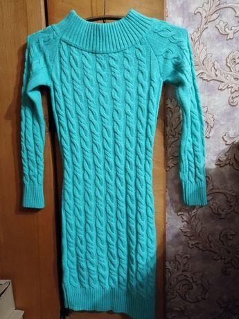 Продам тёплое платье размер s