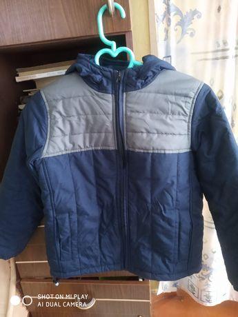 Продам курточку на мальчика возраст 7-9 лет
