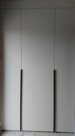 Nowoczesny długi uchwyt krawędziowy U9 czarny mat 1200mm 120cm