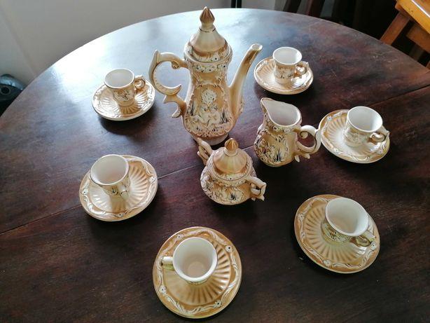 Conjunto de chá (F. Varinos, Lda)