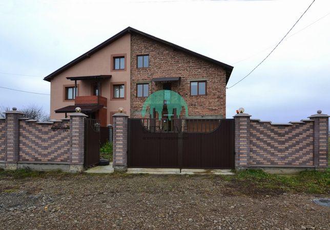 Будинок з ремонтом в передмісті Франківська, є фото/планування