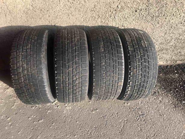 Резина Bridgestone Blizzak 245/45/17 (пара)