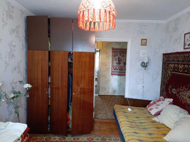 Продається 3 кімнатна квартира м. Дунаївці.