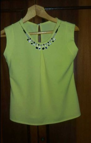 Блузка з кольє блуза футболка