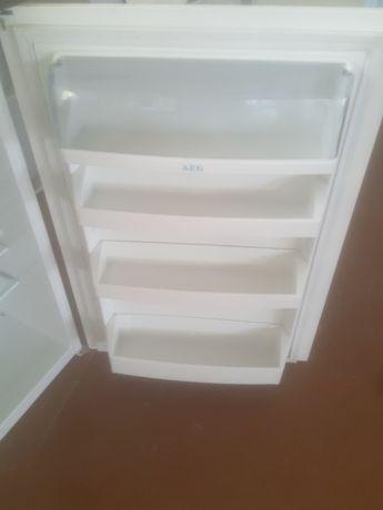 холодильник встраеваемый АEG