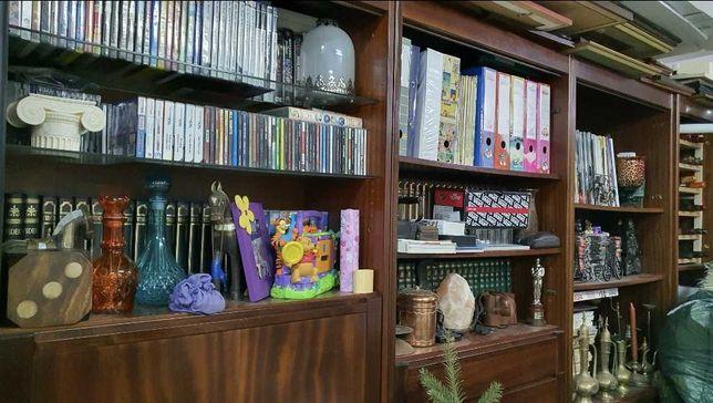 Estante para livros em Mogno