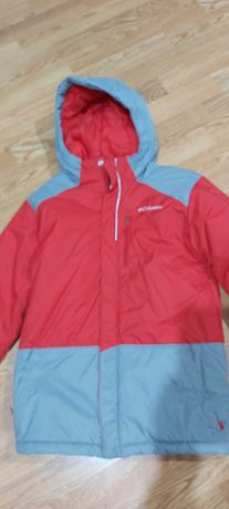 Зимняя куртка фирмы Columbia , размер M, на рост 140-146 см.