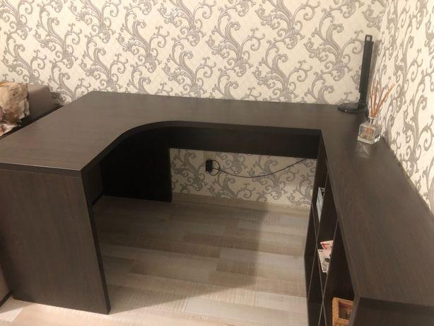 Письменный стол с полочкой