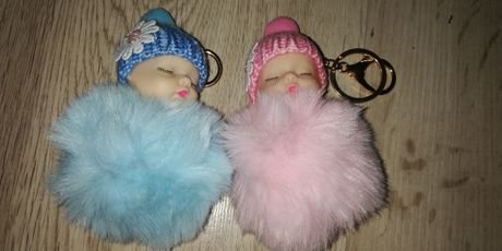 Super breloki pompony lalki śpiące nowe