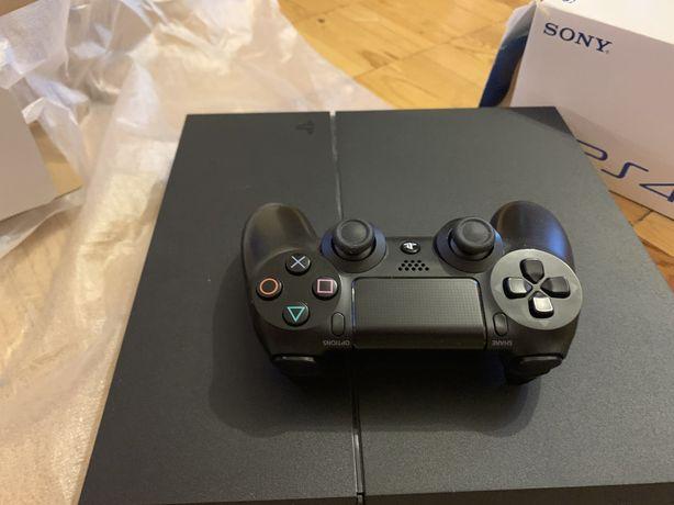 Продам PlayStation Plus  PS 4 / 1 TB