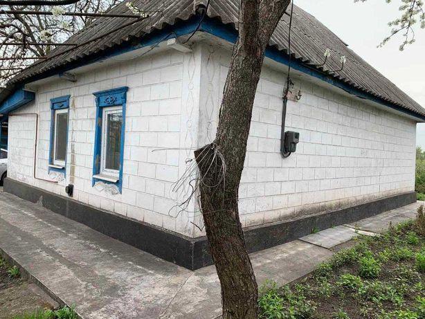 Дом в центре села Куриловка
