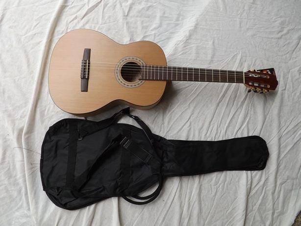 Guitarra clássica madeira maciça
