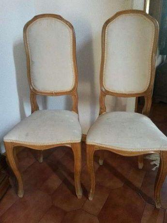 Cadeiras antigas