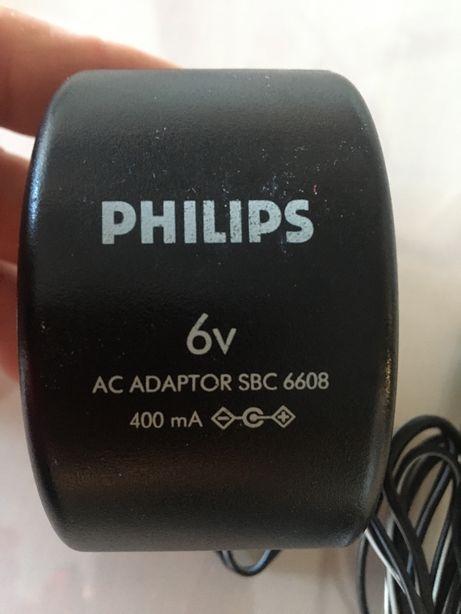 """Carregador """"Philips"""" - Novo"""