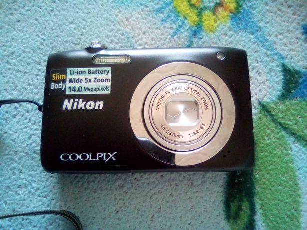 Фотоаппарат NIKON новый ,миниатюрного размера
