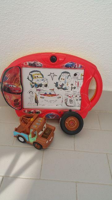 Carro RC CARS MCQUEEN + Mesa Desenho Iluminada da CARS