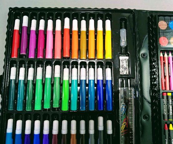 Набір для малювання з 150 предметів фломастери, олівці, фарби