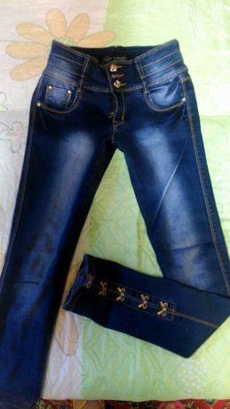 Продам джинсы 600руб