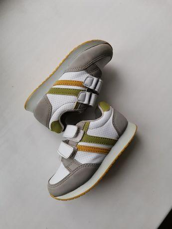Кросівки 26 р бу