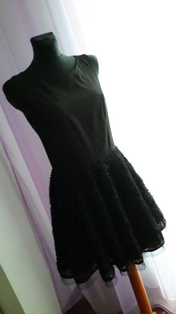 Nowa czarna koronkowa sukienka