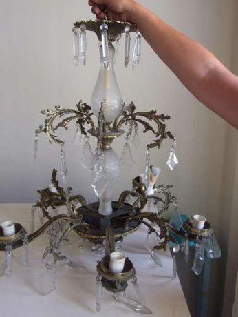 Lustre em latão e vidro